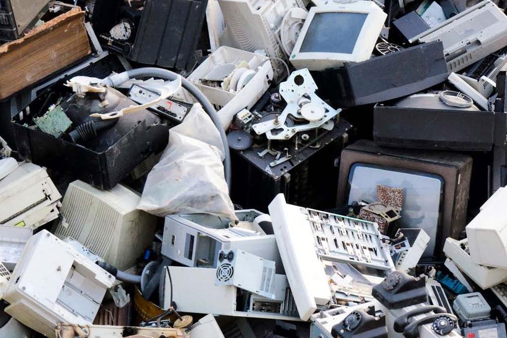 Descarte de aparelhos eletrônicos exige cuidados especiais