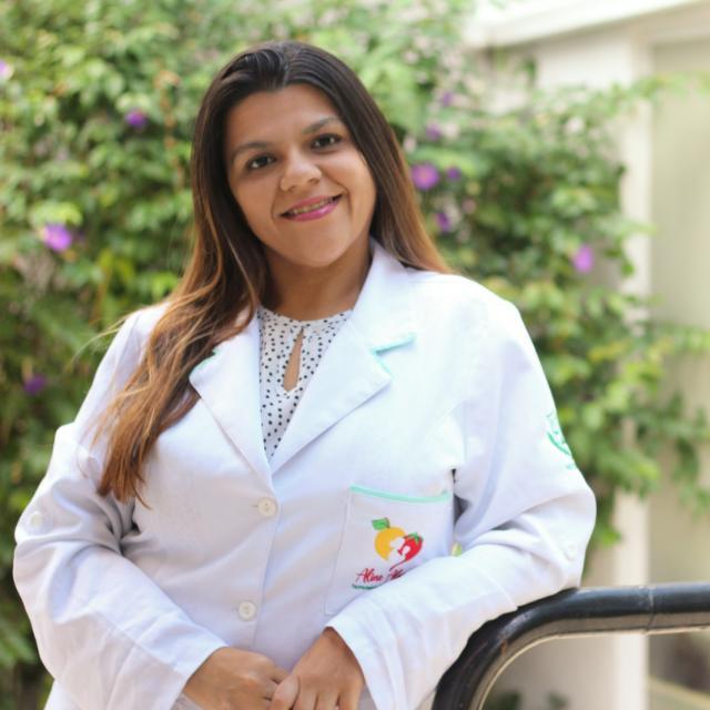 Amamentação: nutricionista materno-infantil Aline Alves